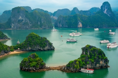10 TOP TOURIST ATTRACTIONS IN VIETNAM