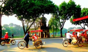 Half day Glimpses of Hanoi Tour with cyclo ride