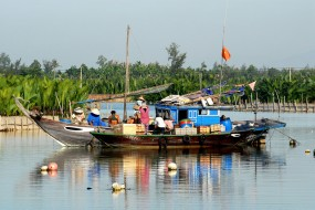 DISCOVER FISHING VILLAGE & RICE PADDY TOUR